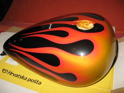 Airbrush by Maxart - gas tank flames